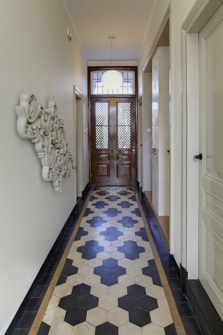 15 floor tile designs for the foyer black and white pattern dailygadgetfo Gallery