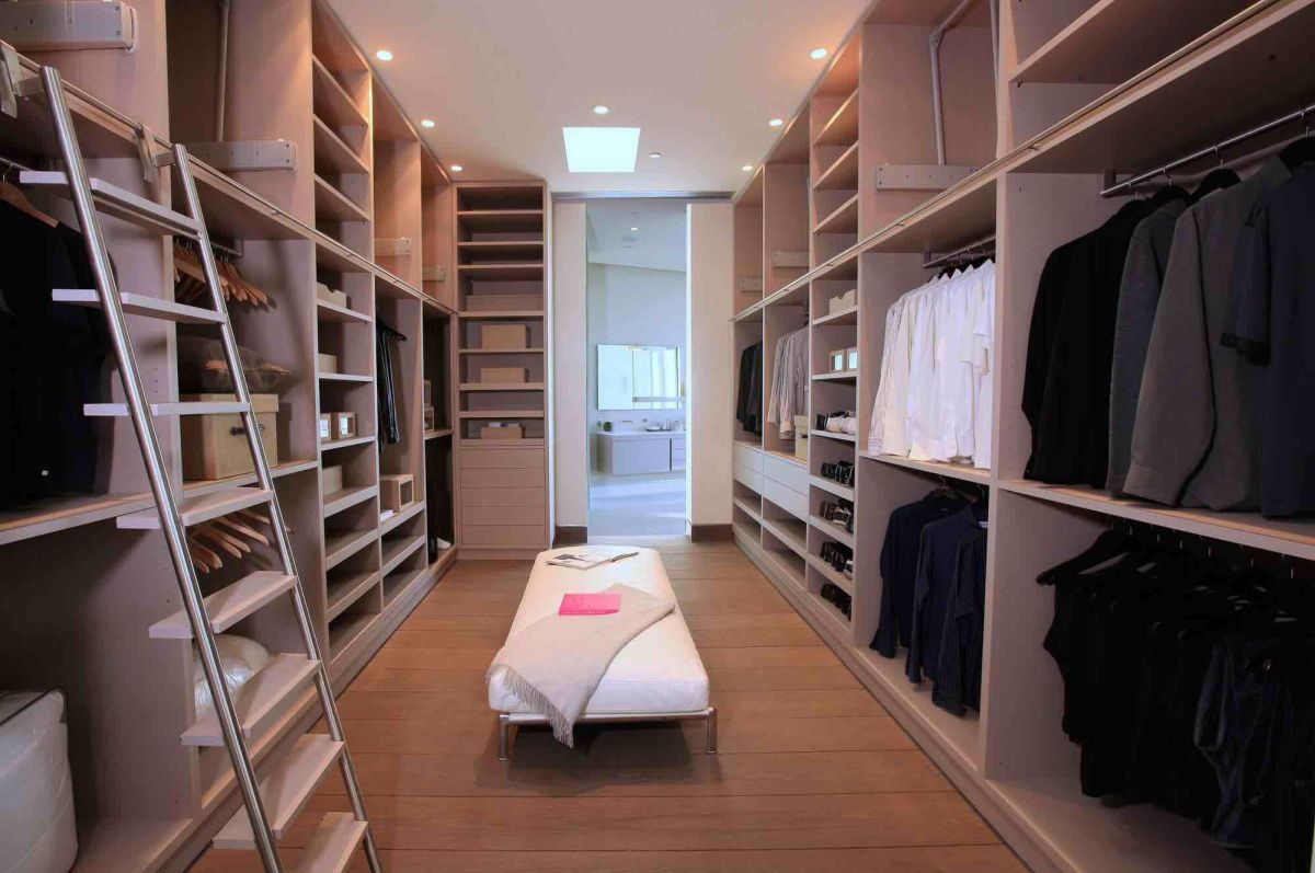 Stylish walk in closet ideas from inspired designers - Pictures of walk in closets ...