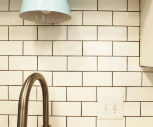 How to Clean Kitchen Backsplash Tiles