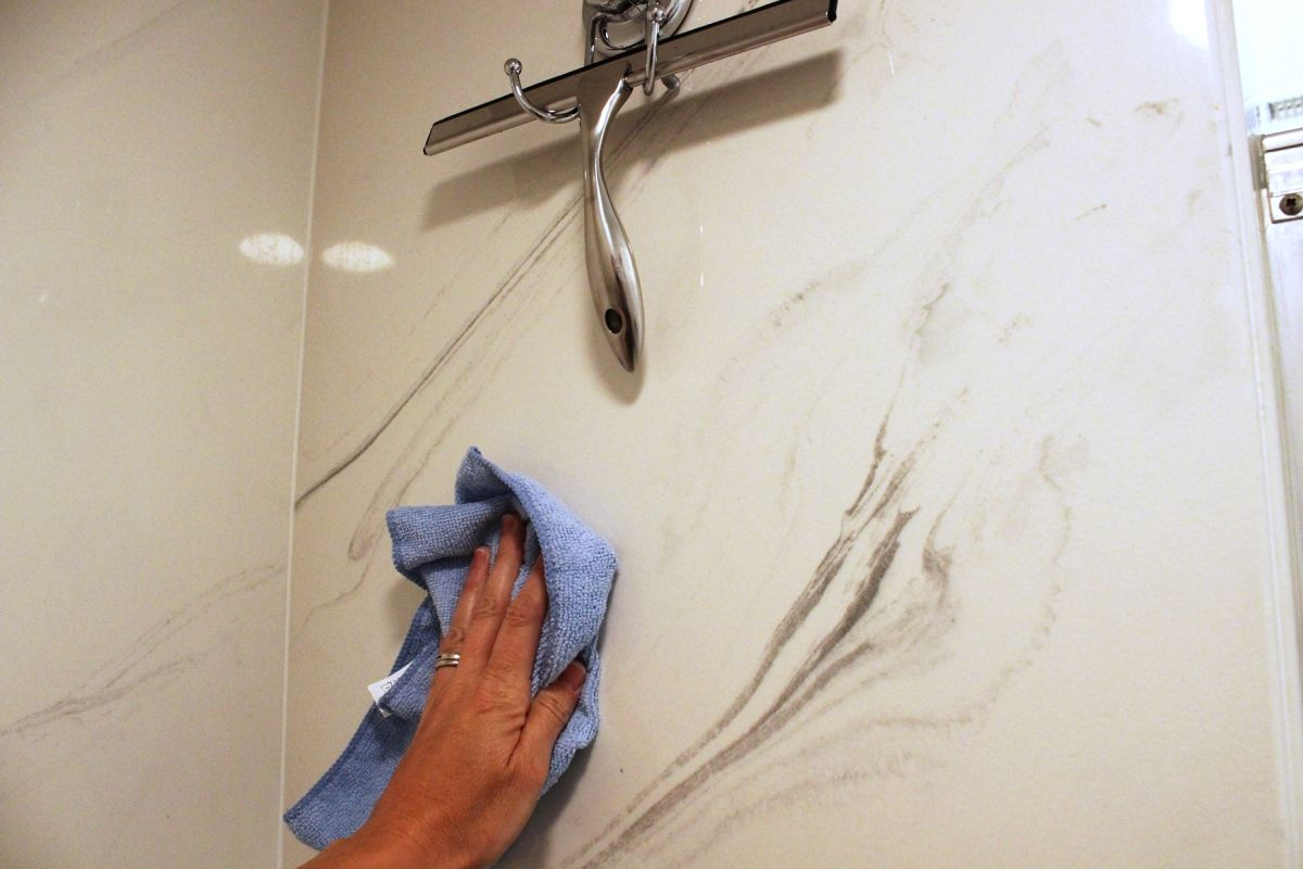 how to clean a shower. Black Bedroom Furniture Sets. Home Design Ideas