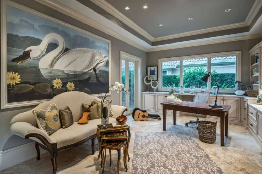 What Is the Difference Between a Coffered Ceiling and a Tray Ceiling?