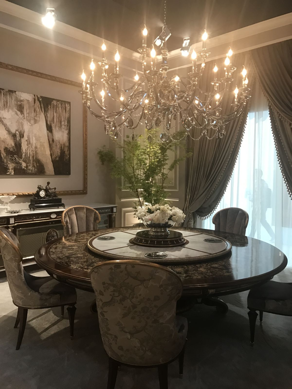 crystal dining room for luxurious impression. This Baroque Dining Room Does Not Have An Overabundance Of Gilding. Crystal For Luxurious Impression R