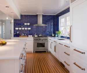 Beveled subway tiles are a quirky alternative to the classical type, one which doesn't stray far from the original