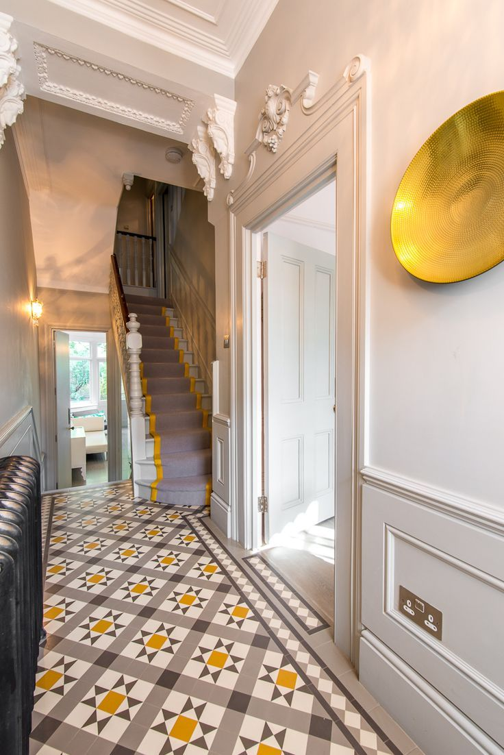 15 floor tile designs for the foyer 7 yellow victorian dailygadgetfo Gallery