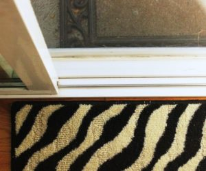 How to Clean Window Tracks to be Squeaky Clean