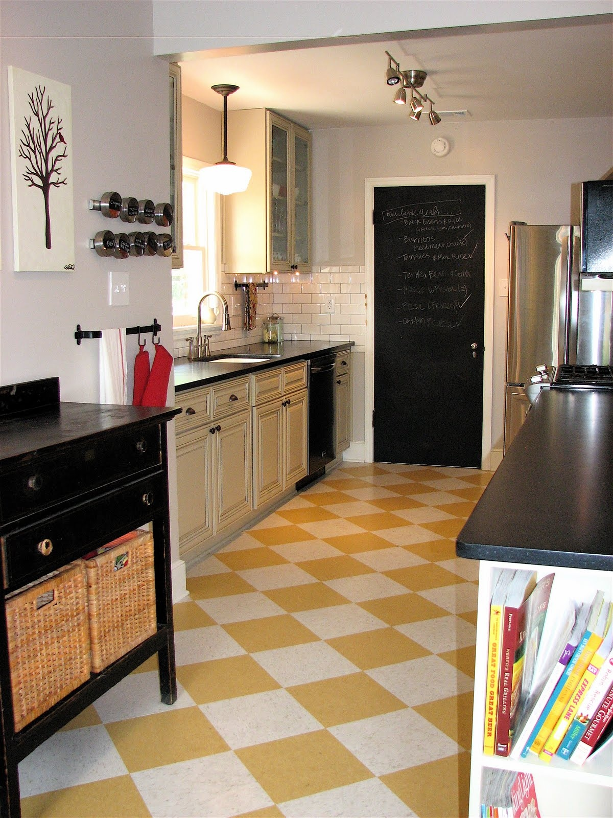 18 beautiful examples of kitchen floor tile 5 yellow chess dailygadgetfo Gallery