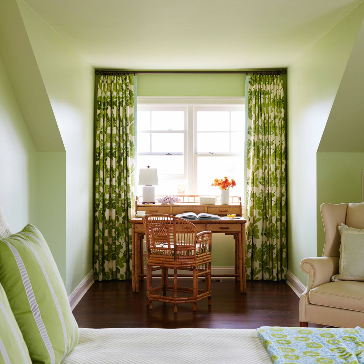 The four best paint colors for bedrooms for Bedroom ideas green