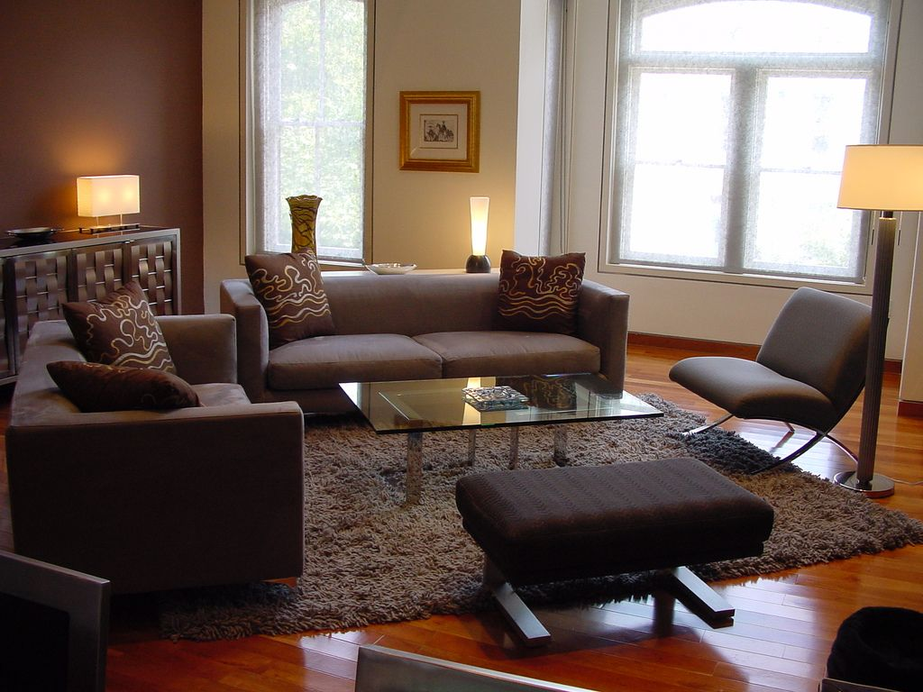 Feng shui and your living room sofa for How to position living room furniture
