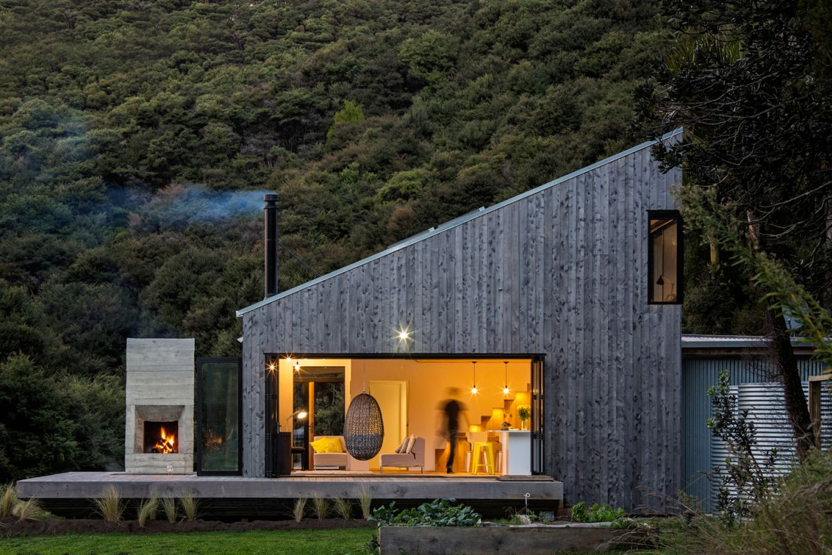 The interior spaces are closely connected to the outdoors and the decks serve as buffers