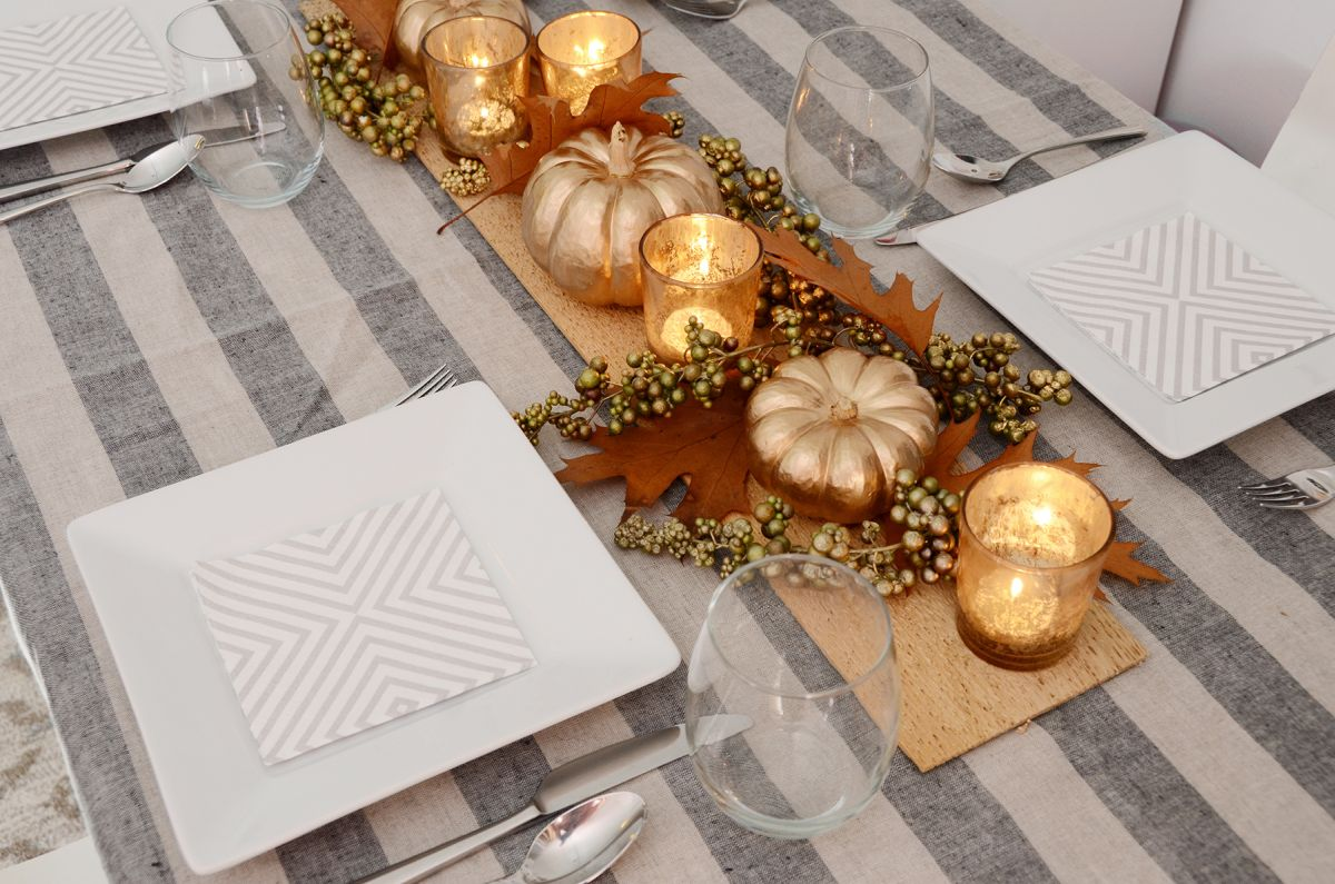 Getting ready for thanksgiving our top 10 favorite crafts for How to set a round table for thanksgiving