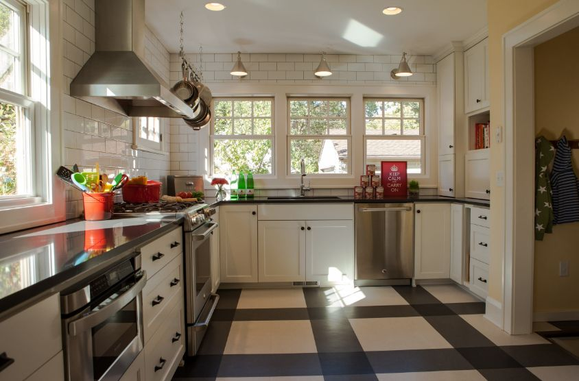Kitchen floor types that make homes look amazing while for Black lino kitchen flooring
