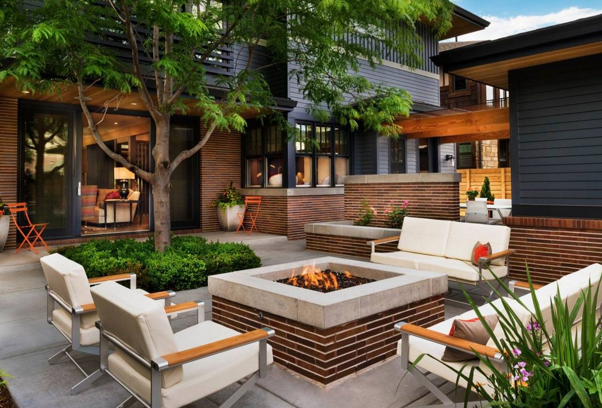 13 Brick Fire Pits And The Homes And Gardens That Surround ...