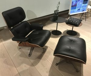 Exceptionnel Original Vintage Eames Lounge Chairs Command Stellar Prices.