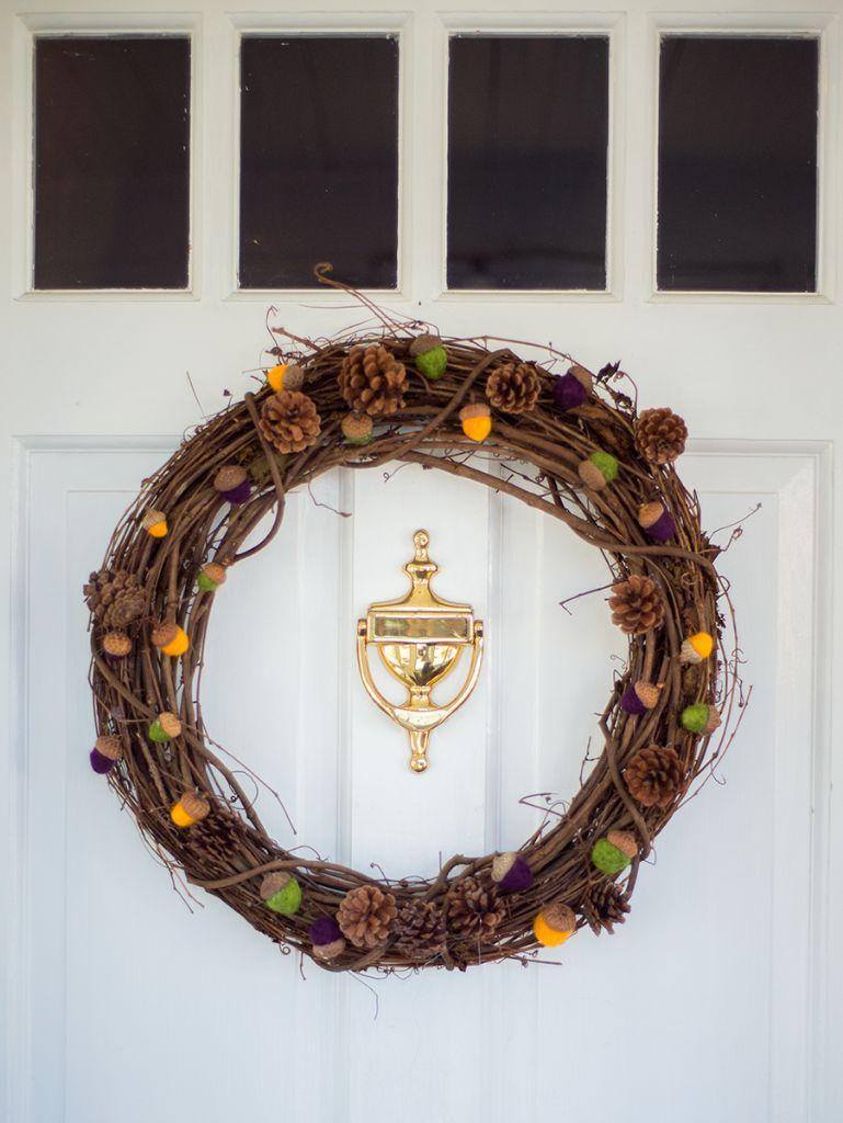 Classic Pinecone Wreath