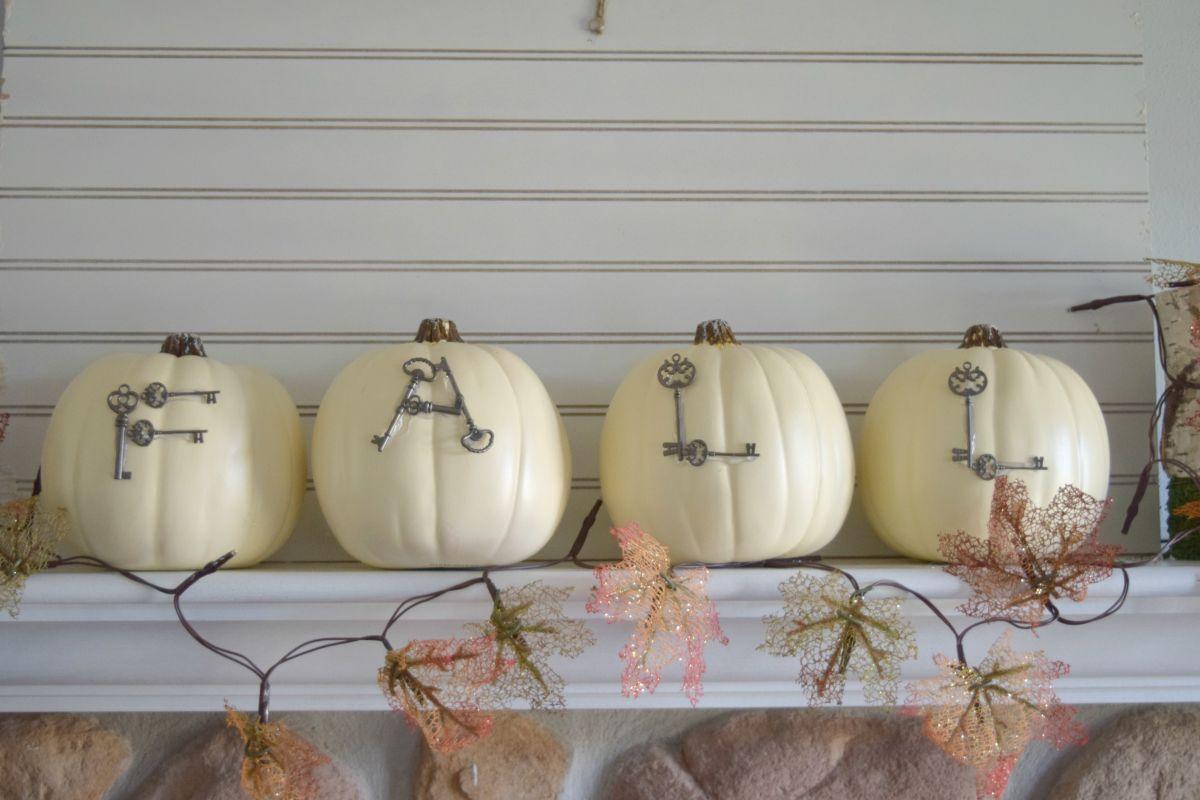 Bespoke Key Fall Pumpkin Display