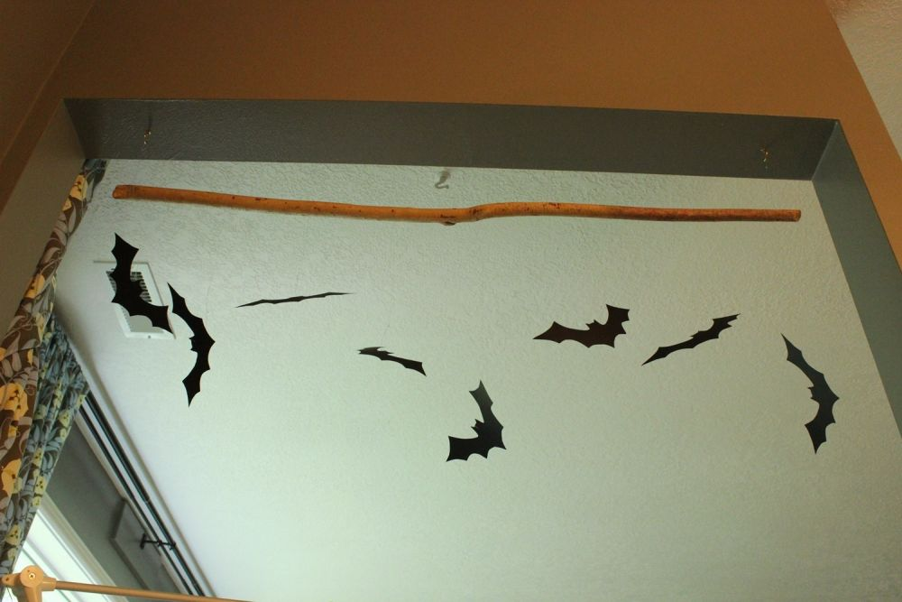 Hanging Bat DIY project for the halloween