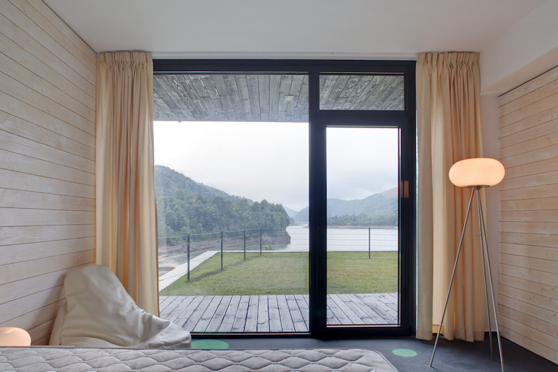 The suites are cozy and welcoming and they all have panoramic views and outdoor access