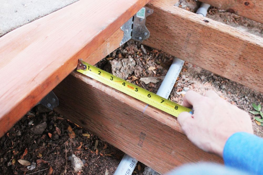 How to Install Curved Deck Floor-With the chalk line alignment precise