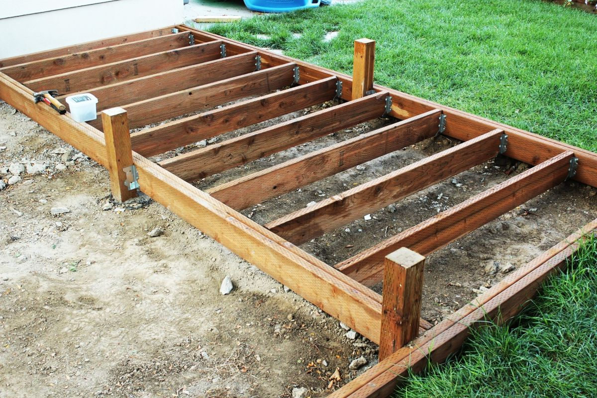 How to install deck joists for Balcony joists
