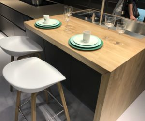 The Breakfast Bar Table – The Heart Of The Social Kitchen
