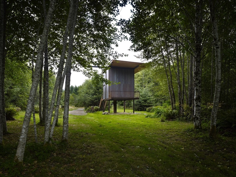 When the large shutter is securely in place, the cabin becomes compact and entirely closed off