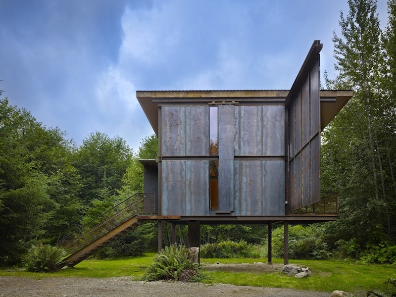 When the shutter slides open, one side of the cabin becomes open to the views and the light can enter freely