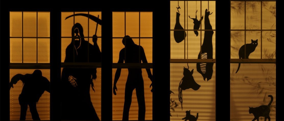 Scary Halloween Window silhouettes - Scary Halloween Decorations That'll Give You The Jitters