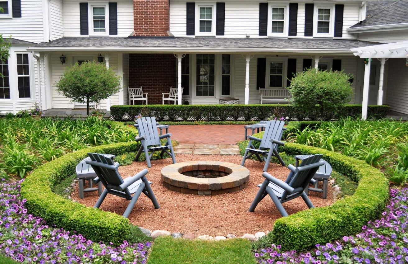 View in gallery - 13 Brick Fire Pits And The Homes And Gardens That Surround Them