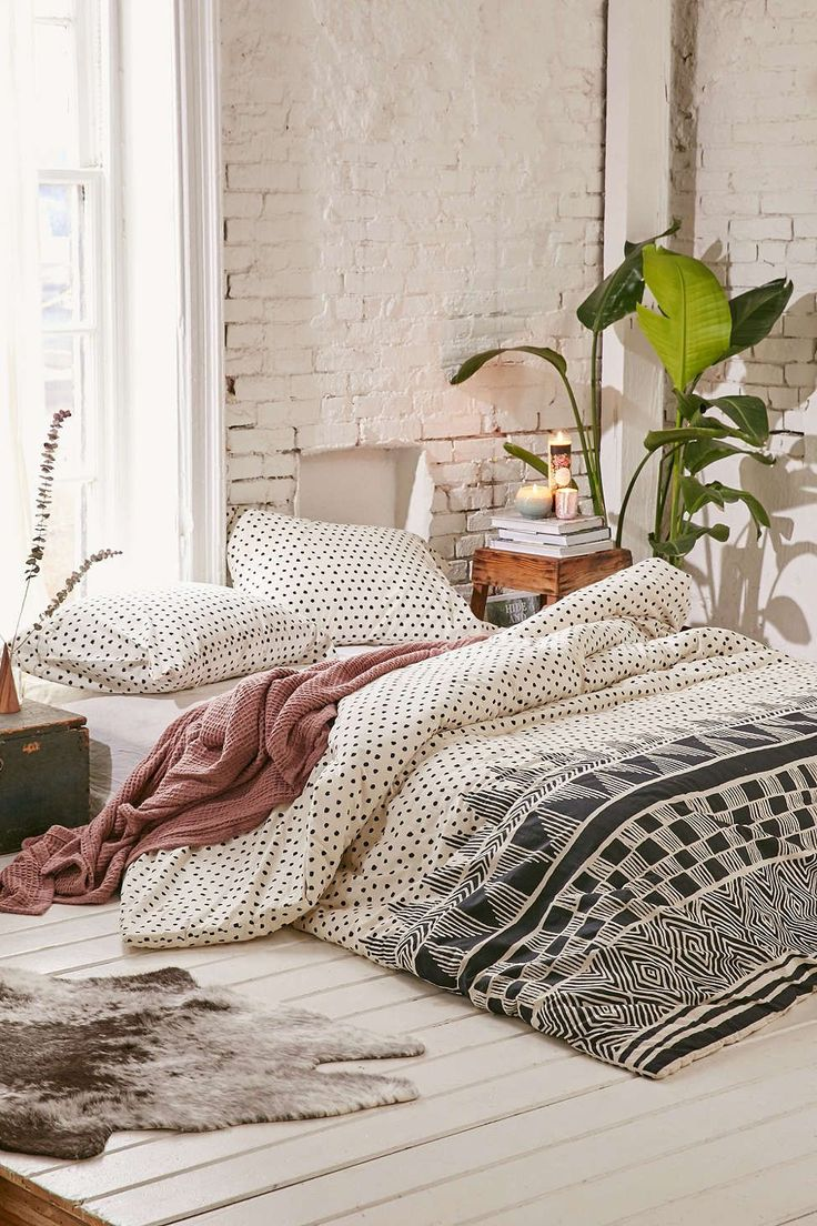 26 With Polka Dots 40 Bohemian Bedrooms