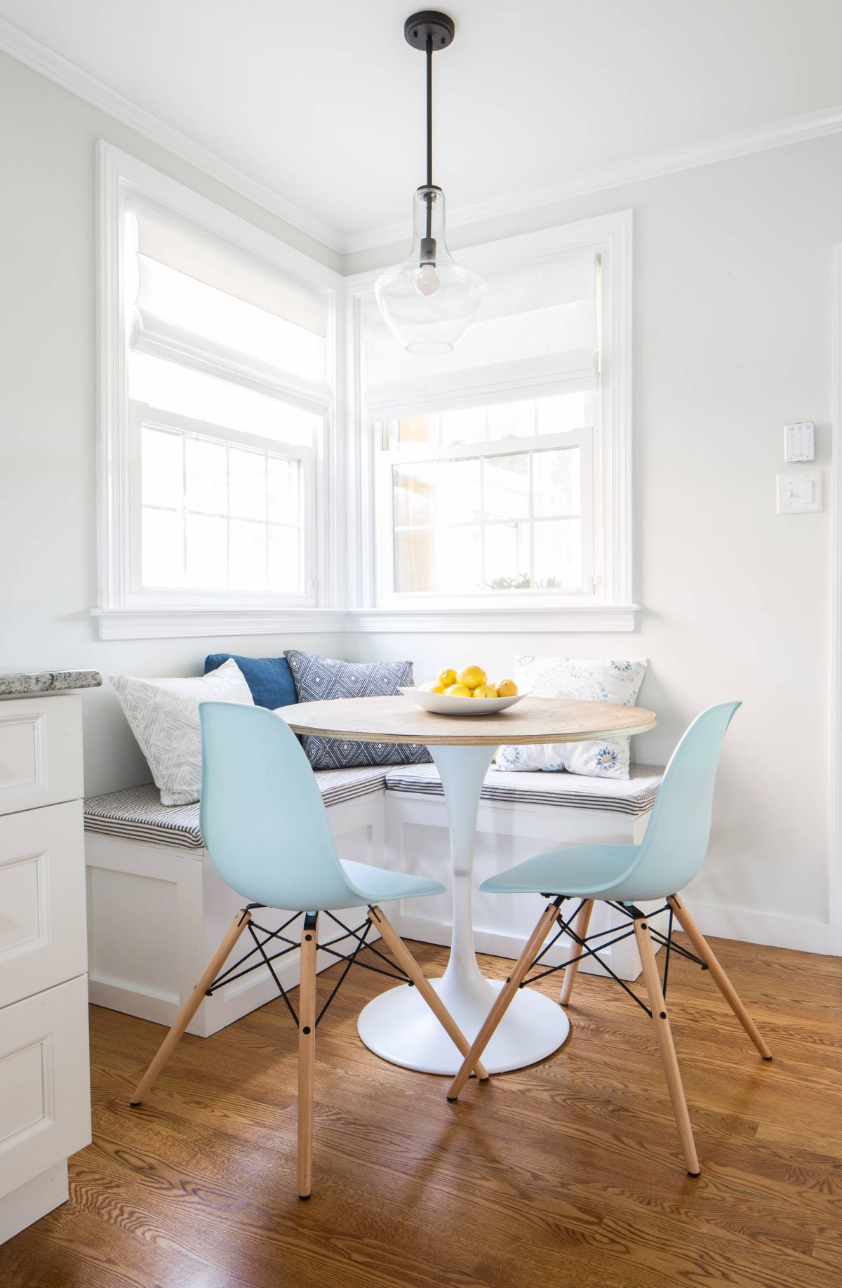 30 breakfast nook bench ideas that will cheer up your mornings