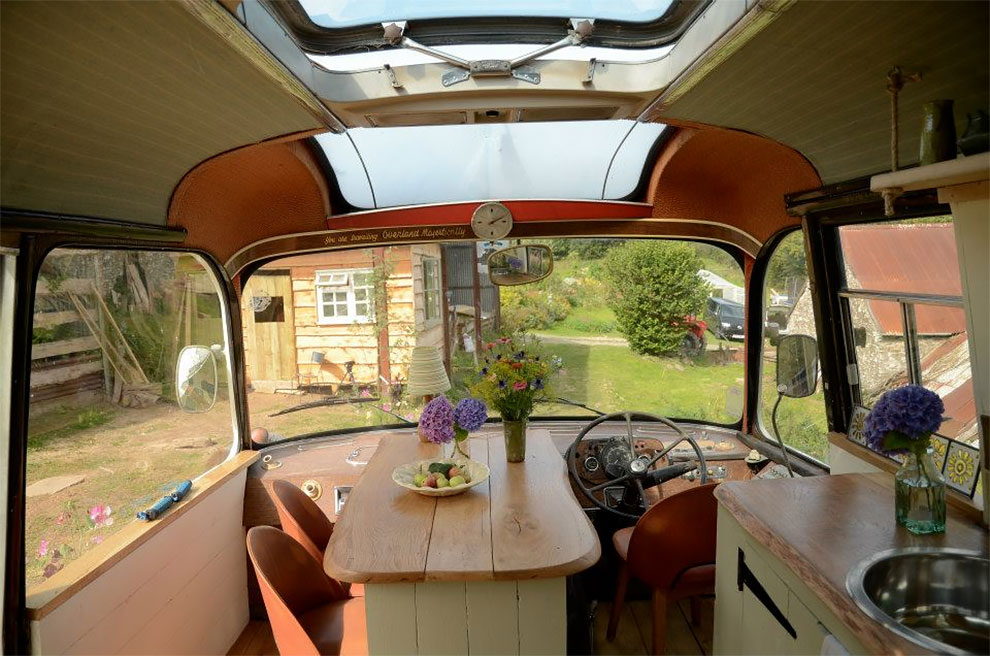 How To Turn A Bus Into A Home – Learning From The Best images 1