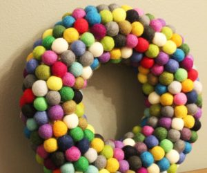 DIY Christmas Ball Wreath  – Felt Craft