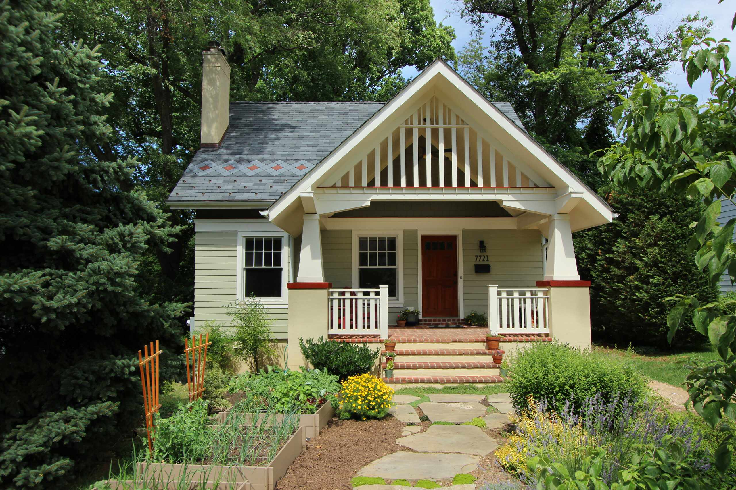 everything you need to know about craftsman homes rh homedit com craftsman style houses pictures craftsman style houses images