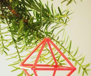 DIY Geometric Straw Prisms – Fast & Easy Modern Christmas Tree Ornaments