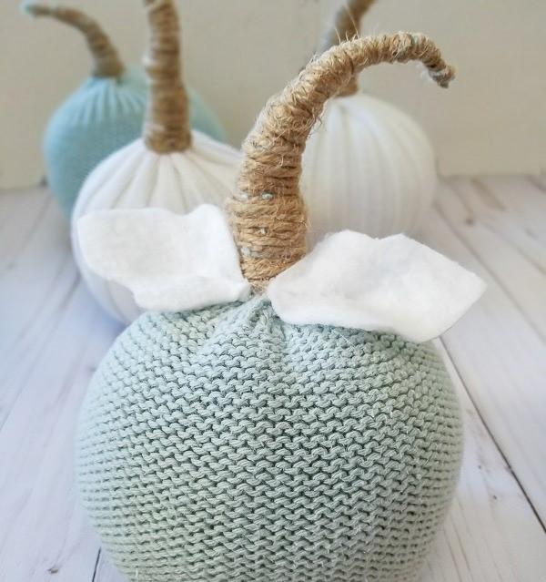 DIY Sweater Sleeve Pumpkins