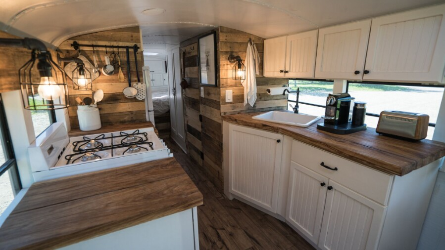 How To Turn A Bus Into A Home – Learning From The Best images 9