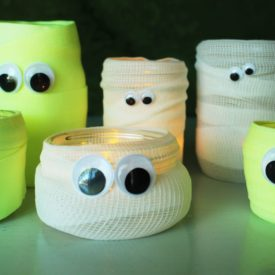 How to turn mason jars into Halloween mummies