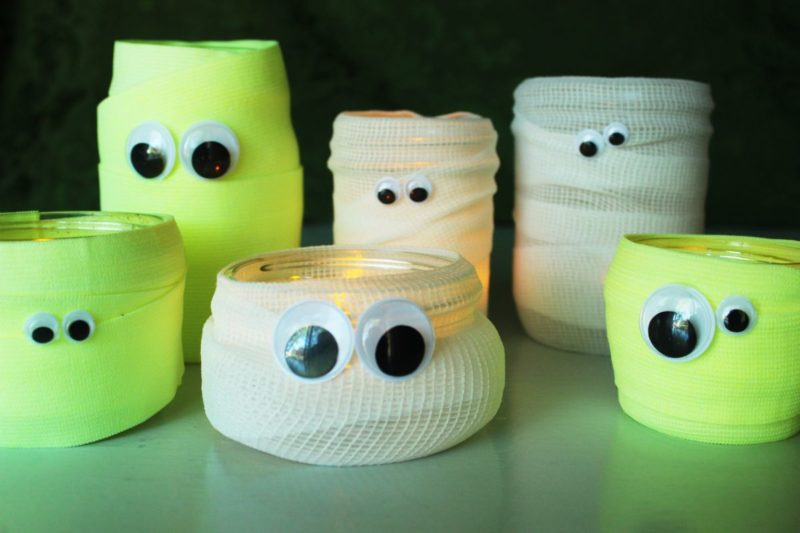 Cute DIY Mason Jar Mummies