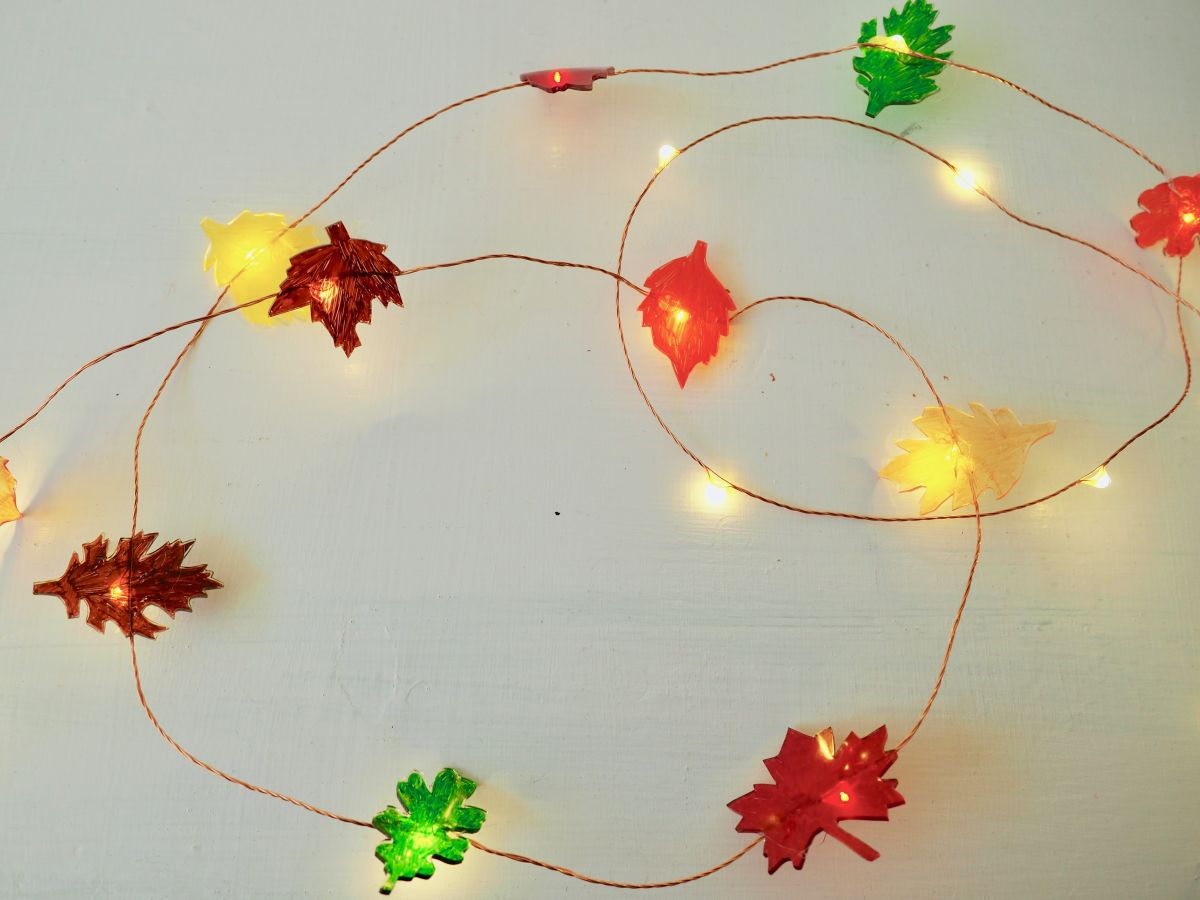 String Lights Leaves : Leaf String Lights: A bright and easy fall DIY project