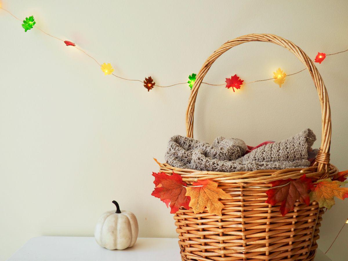 Leaf string for fall
