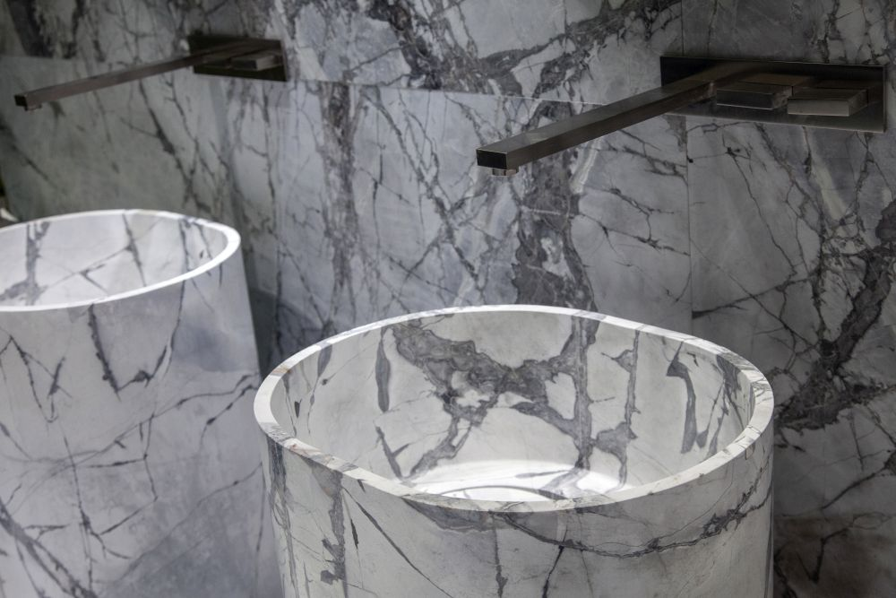 Marble antolini freestanding sink