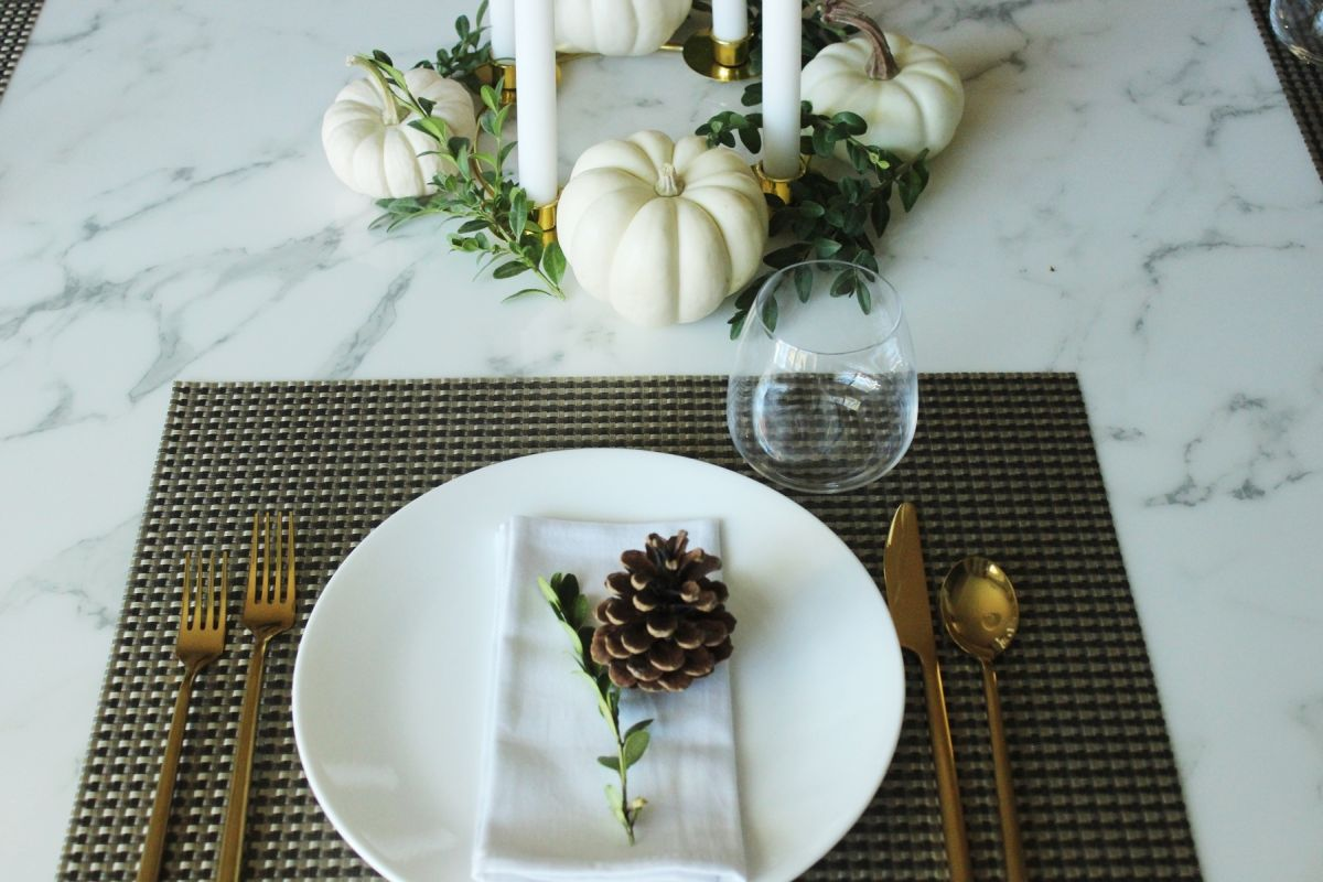 12 modern thanksgiving table setting ideas for Elegant table setting for thanksgiving