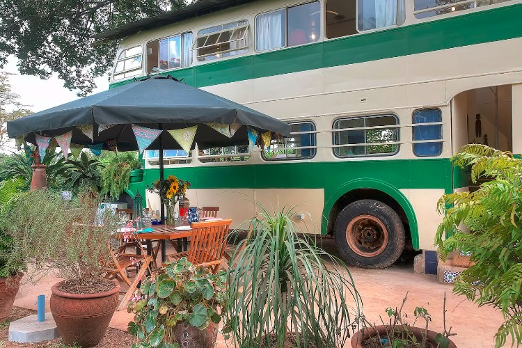 How To Turn A Bus Into A Home – Learning From The Best images 25