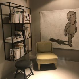 Perfect reading corner with floating wire storage system
