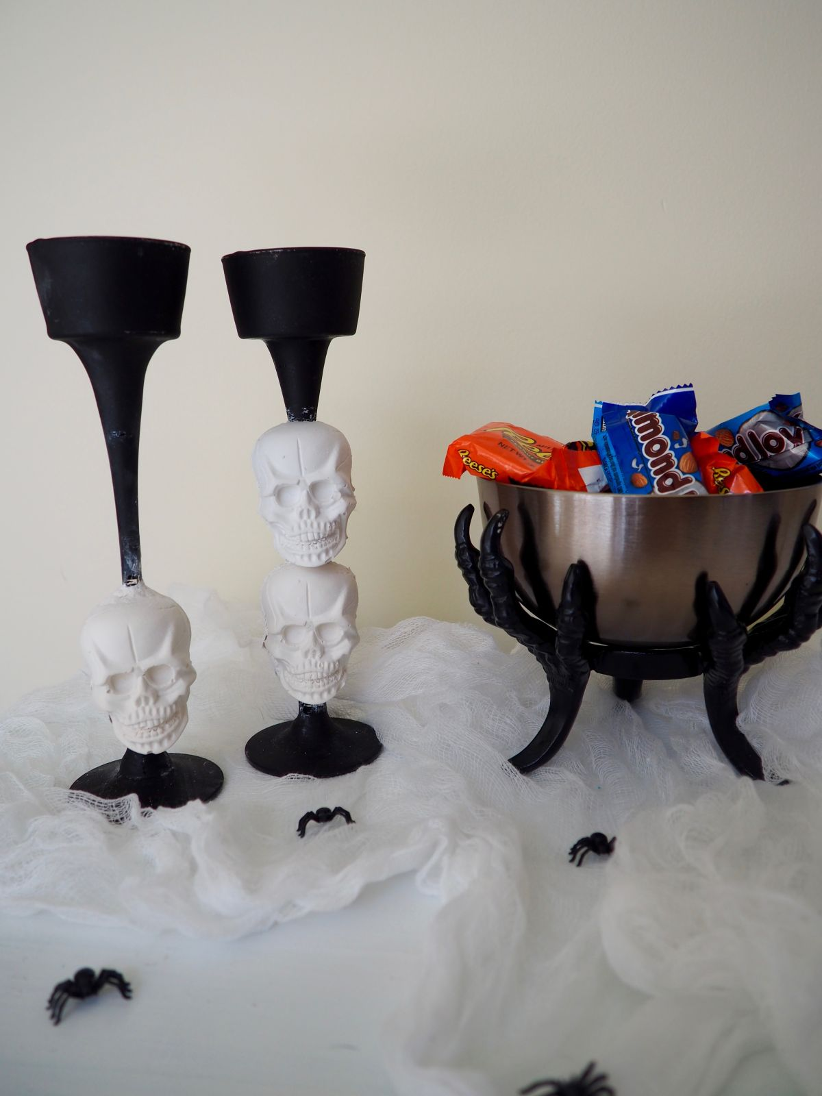 Plaster skull candlesticks halloween do it yourself project solutioingenieria Images