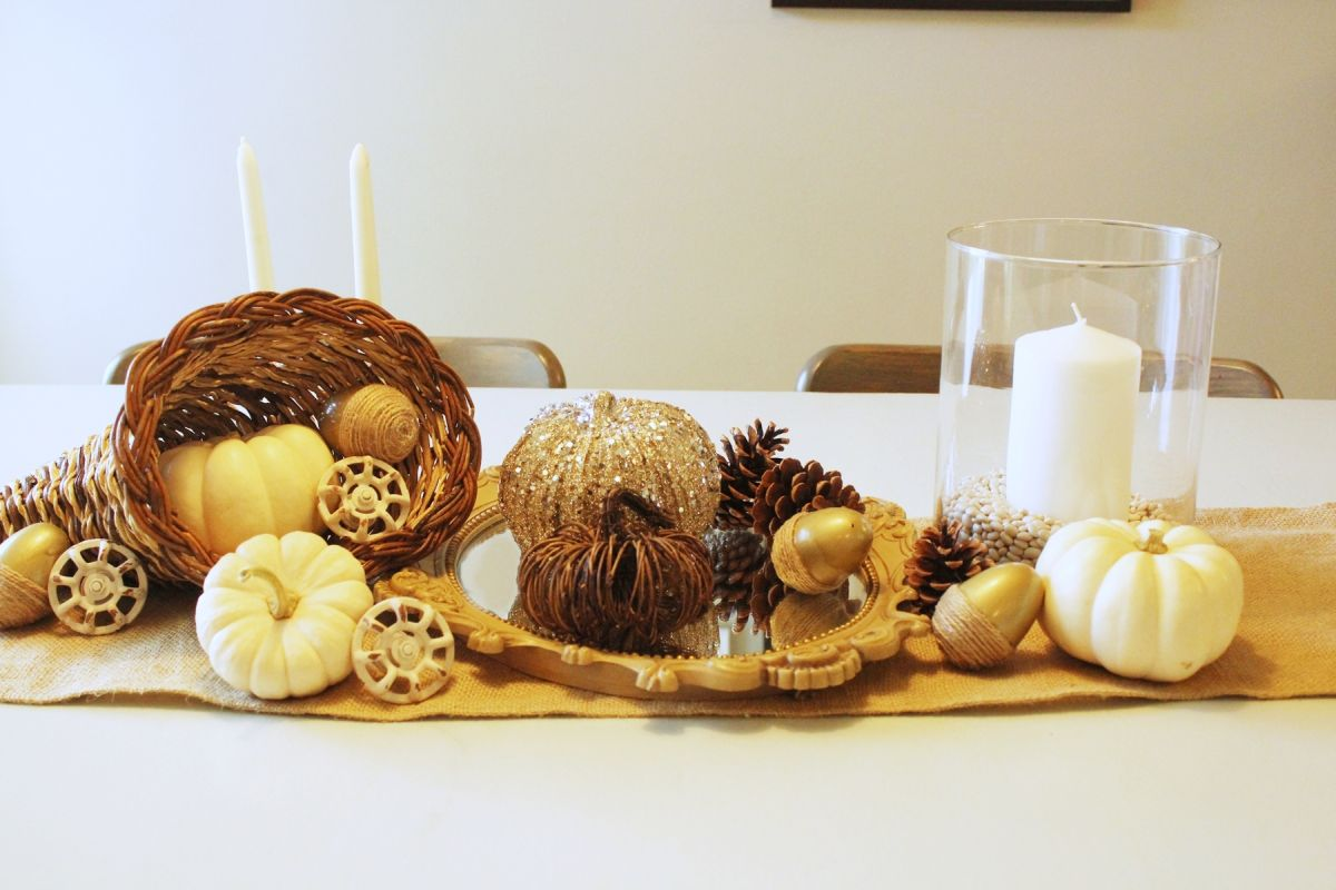 White Pumpkin Centerpieces-Another detail to consider is the balance of large and small