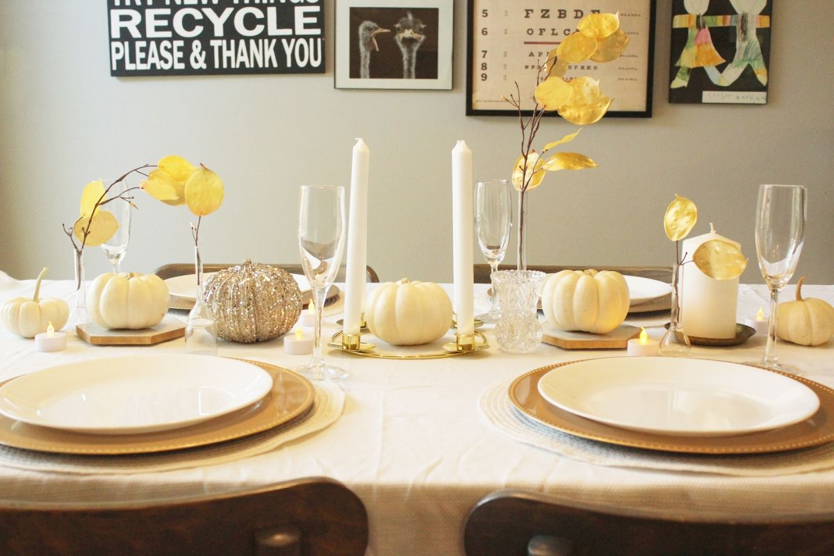 White Pumpkin Centerpieces-When you set the table for Thanksgiving