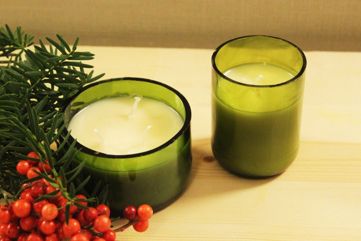 DIY Christmas Gift Idea: Glass Bottle Candle images 20