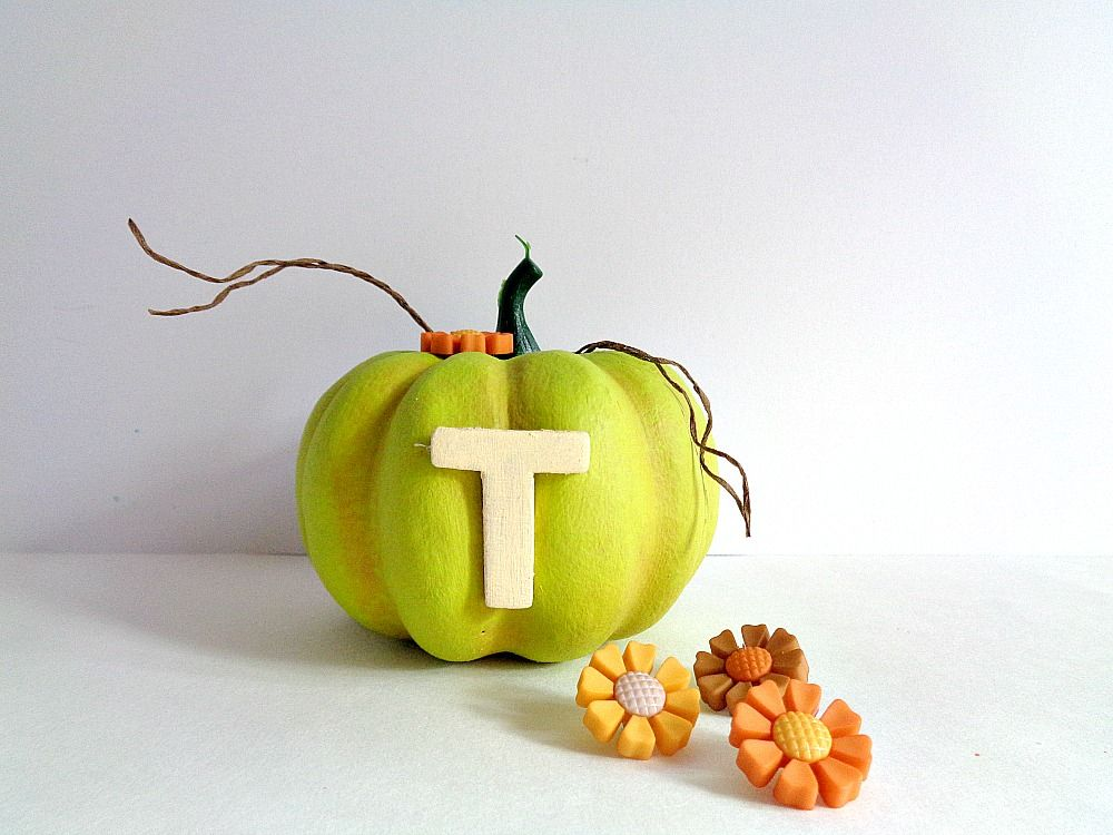 Bright Thankful Pumpkin Home Decor - crafty side note