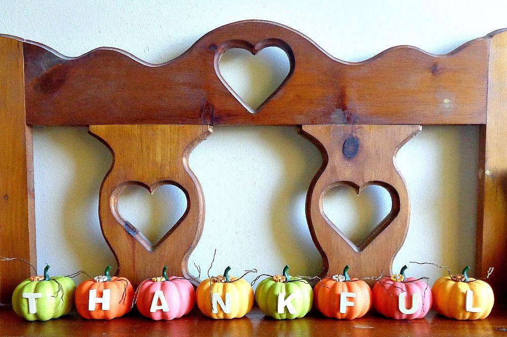 Bright Thankful Pumpkin Home Decor - display